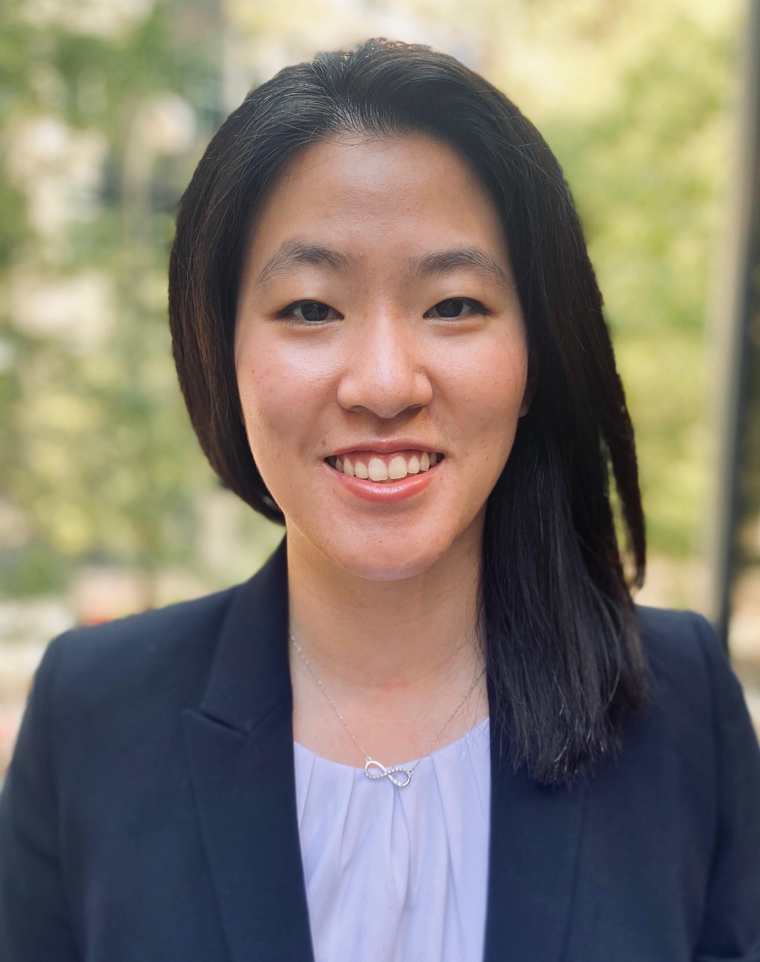 Justine Ko, doktor