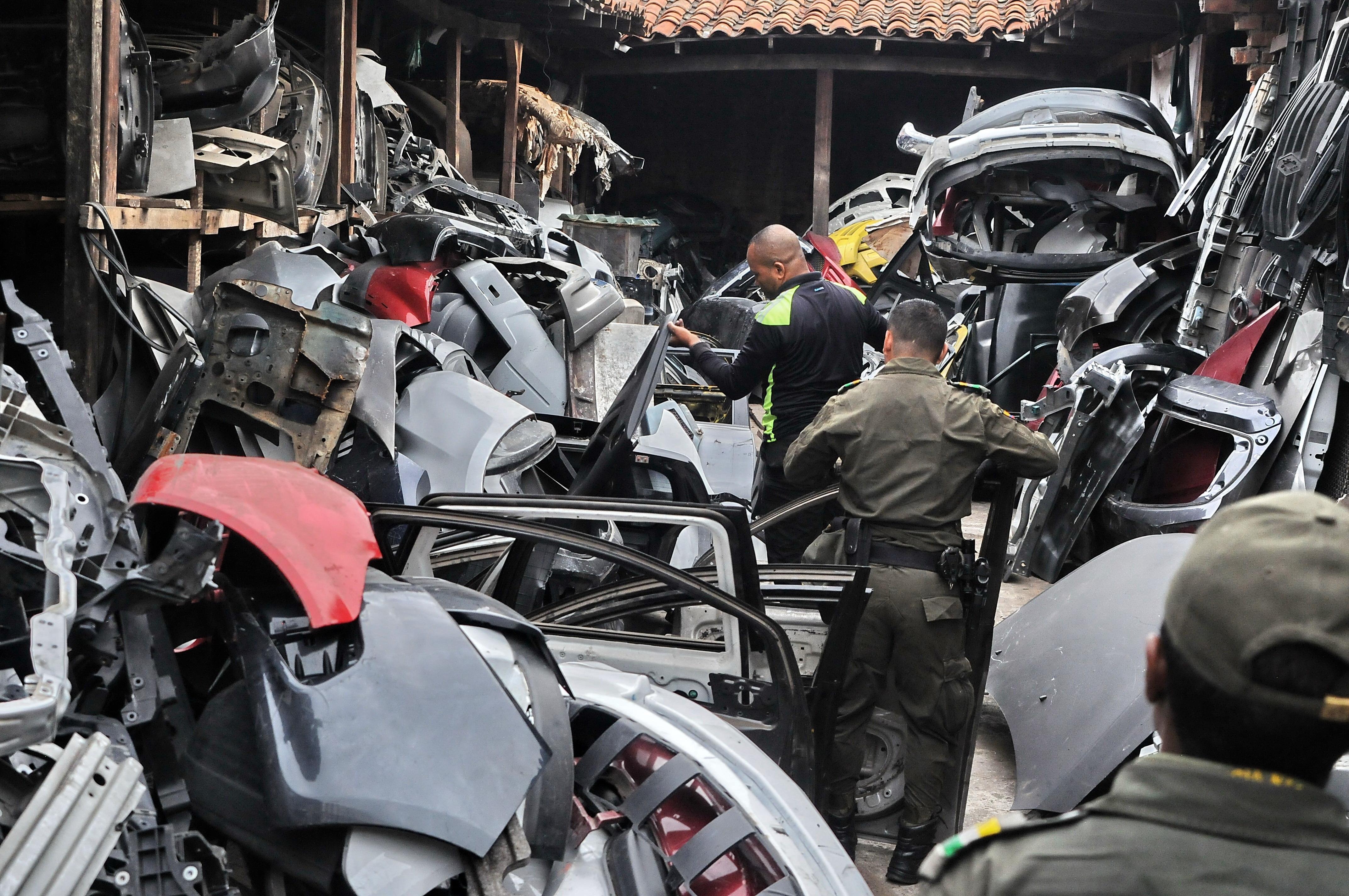 Imagen ¿Dónde terminan los carros y motos que se roban en Cali?
