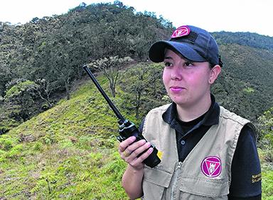 Imagen Así se limpia de minas el Valle: crónica con la única mujer en la región que lidera esta lucha